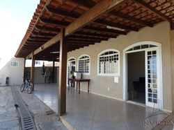 COLONIA AGRICOLA SUCUPIRA DE 11/12 A 14/15 Riacho Fundo Riacho Fundo   LINDA CASA !