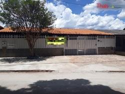 Casa à venda Rua 10   Vila Planalto Rua 10, 05 quartos sendo 03 suítes à venda