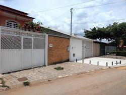 Casa à venda QR 406 Conjunto 9   Casa com 3 pavimentos, terraço na QR 406, Samambaia - DF