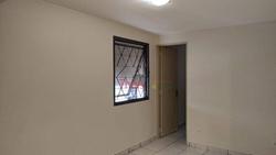 SCLRN 715 Bloco A Asa Norte Brasília   Apartamento com 01 quarto, cozinha com armário, banheiro social e área de serviço na SCLRN 715 Bloco