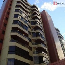 Rua  18 Sul Águas Claras   RUA 18 4 quartos com projeto de bom gosto e requinte!
