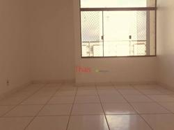 QI 5 Bloco P Guara I Guará   Apartamento com 03 quartos, sala, cozinha, 02 banheiros e área de serviço na QI 05 Bloco P - Guará I