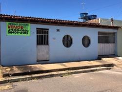 Casa à venda QR 103   Imóvel para renda/ Oportunidade