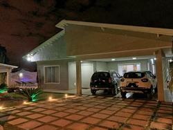 Casa à venda Av Jacarandá