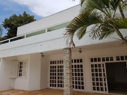 Casa para alugar SHIS QI 9   Área para estacionamento carro interno