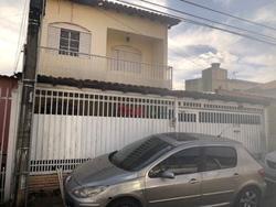Casa à venda QR 3 Conjunto B   Casa na QR 03 Conjunto B com 03 Quartos e 01 suíte à venda - Candangolândia/DF