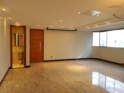 Apartamento para alugar Av Flamboyant Edifício Flamboyant , Flamboyat Vazado, ventilado e iluminado
