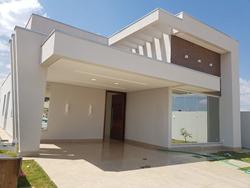 Casa à venda RODOVIA BR-0020 KM 12,5   Excelente oportunidade, ótima localização, com acabamento e arquitetura super moderno!
