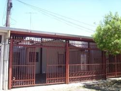 Casa para alugar QI 6 Conjunto Q PROXIMO AO HOSPITAL  QI 06 CONJUNTO Q * CASA FRENTE - ÓTIMO LOCAL *
