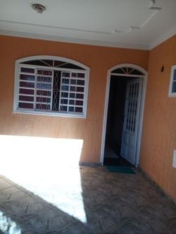 Casa à venda QN 15E Conjunto 1   proximidade com comercio e bancos