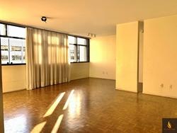 Apartamento à venda SQS 316 Bloco H   apartamento de canto vazado e quinto andar.