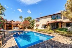 Casa para alugar Condomínio Parque Jardim das Paineiras   Casa com 3 quartos, suíte master e piscina no Jardim das Paineiras do Jardim Botânico