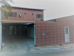 Casa à venda SHA Conjunto 1 Chacará  44C Atrás do Riacho Tintas. , Condomínio Veredas Com uma casa de aluguel alugada por 680 reais, entrada independente.