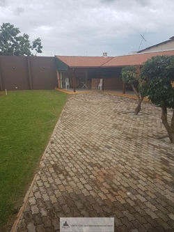 Casa à venda Rua  8 Chacará  227   condomínio com acesso fácil a ESTRUTURAL