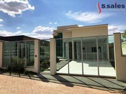 Casa à venda SHA Conjunto 6 Chacará  8   Excelente Casa de Alto Padrão! 3 suítes e lazer completo.