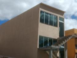 Apartamento à venda Condomínio Petrópolis Área Especial 2   Acabamento top de linha. Apto nunca Habitado. Com garagem, muito barato.