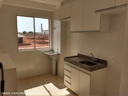 Apartamento para alugar Rua 300 Lote 302