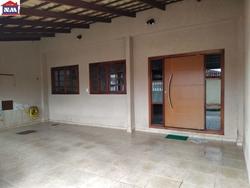 Casa à venda QR 412   00633 - QR 412!  Fino acabamento! Luxuosa casa na laje! Pronta para financiar.