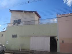 Casa à venda Quadra 8   Excelente localização