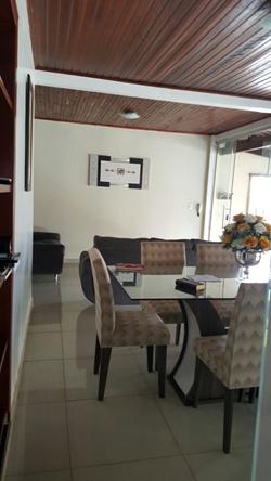 Casa à venda AV. BRASIL