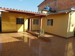 Casa à venda AR 17   A casa mais barata de Sobradinho 2 que aceita Financiamento e FGTS. DESOCUPADA.