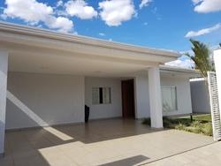 Casa à venda Região dos Lagos   FINO ACABAMENTO -  TODA  COM ARMÁRIO.