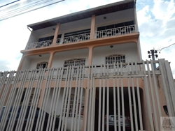 Casa à venda QR 1-A   QR 1-A- Sobrado com 425m², quatro quartos, duas suítes, 4 vagas