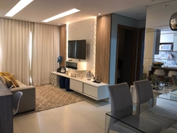 Apartamento à venda Av das Araucárias  , Via Enseada Reformado e desocupado!