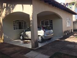 Casa à venda Região dos Lagos   Casa a venda / Condomínio RK / 03 Quartos / Churrasqueira / Aceita apartamento de menor valor como p