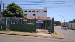 Casa à venda QNJ 2   Lote  de esquina com casa simples vazado pra Avenida Helio Prates