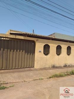 Casa à venda Quadra 42 CASA COM LAJE, SOZINHA NO LOTE