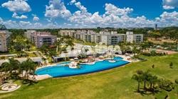 Apartamento à venda SCEN Trecho 1   Ilhas do Lago canto 2 Quartos sendo 1 suíte com 2 vagas reformado. Beira Lago.