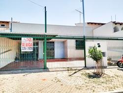 Casa para alugar QSA 15 FRENTE