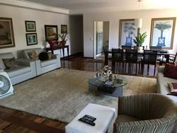 Apartamento à venda SQS 211 Bloco J   reformado, com armários, cozinha planejada, vidros duplos