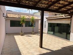 Quadra 10 Conjunto G Sobradinho Sobradinho   Excelente oportunidade! Casa térrea toda na laje, ótima localização e ótimo preço.
