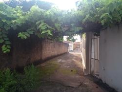 Rua C 75 Setor Sudoeste Goiania QD 182 LT 06 CASA 03 BARRACÃO