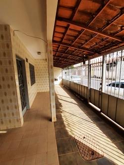 Quadra 5 Conjunto B Setor Residencial Leste Planaltina   Excelente oportunidade!! Imóvel bem localizado, lote vazado e casa toda na laje!