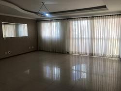 Quadra 106 Norte Águas Claras  Condomínio flamboyant  Vazado , ótima sala com vista para rua !