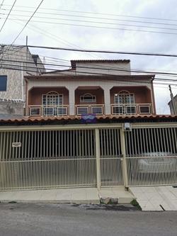 Terceira Avenida Bloco 1945 Nucleo Bandeirante Núcleo Bandeirante   EXCELENTE SOBRADO, AMPLO E VENTILADO.