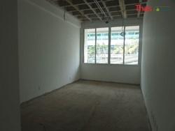 SGAS 915 Asa Sul Brasília   Edificio Advance Loja comercial com banheiro. Asa Sul